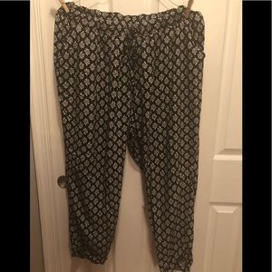 Old Navy Casual cropped pants